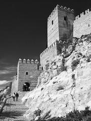 La Alcazaba de Almería, Andalucía, Spain (Angel Talansky) Tags: almeria alcazaba andalucia spain españa laalcazaba alcazabadealmeria castillo casttle muralla towers juegodetronos puertadelajusticia fortaleza monocrhorme bw fortress