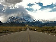 Caminos,Fitz Roy,Chalten,patagonia Argentina !! (Gabriel mdp) Tags: rutas caminos patagonia fitz roy chalten parque nacional los glaciares montañas cordillera andes sur paisajes landscapes contrastes