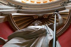 Sceptre (Atreides59) Tags: rome roma italie italia italy statue histoire history musée museum rouge red yellow jaune pentax k30 k 30 pentaxart atreides atreides59 cedriclafrance