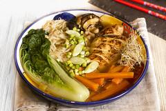 Ramen de pollo (Frabisa) Tags: ramen cocinajaponesa pollo fideos verdura caldo cocinacasera recetas japanesecuisine chicken noodles vegetables broth homecooking recipes