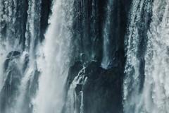Aguas y rocas (julien.ginefri) Tags: argentina argentine america latinamerica southamerica cataratas iguazu iguaçu brasil brazil