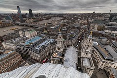 St Paul's Cathedral Golden Gallery View - London (E_W_Photo) Tags: stpaulscathedral london londoncity city sqauremile cityscape height steps londoneye blackfriars bttower river thames uk stpauls cathedral view clouds wind canon 80d sigma handheld 1020mm goldengallery