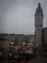 Paris sous la pluie... (objet introuvable) Tags: paris pluie ville town rain colors street streetview light panasonic lumixgx8 lumix