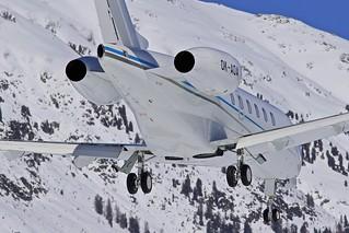 SMV/LSZS: Bombardier Challenger 300 (BD-100-1A10) OK-AOA
