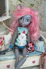 mouse (chocomila) Tags: mousedes king mouscedes boo york toy кукла школамонстров монстрхай монстерхай doll mh monster monsterhigh куклохобби high mhdoll mhdolls dolls portrait roombox