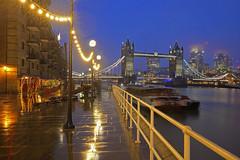 Inverno / Winter (Bermondsey, London, United Kingdom) (AndreaPucci) Tags: towerbridge london uk andreapucci rain thames night cityoflondon bermondsey