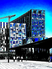 The Lunch Break (Steve Taylor (Photography)) Tags: art architecture digital building office crane black blue contrast white stark glass people uk gb england greatbritain unitedkingdom london reflection northgreenwich