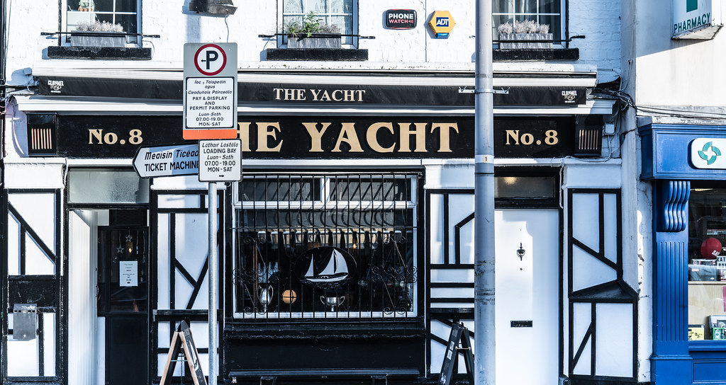 THE YACHT [THORNCASTLE STREET RINGSEND]-135523