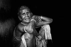 Kumbar Limka (Ma Poupoule) Tags: inde india orisha orissa tribes tribal tribus tribe adivasis porträt portrait ritratti ritratto noirblanc noir femme vieilhomme odisha