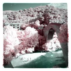 La vie en rose... (Lolo_) Tags: infrared nyons bridge ir 715nm infrarouge pont river france drôme provençale square carré baronnies roman sauve