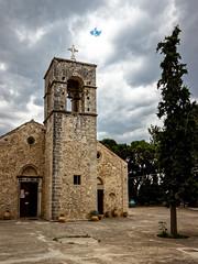 Moni Vrondissi (Lucille-bs) Tags: europe france crète monivrondissi monastère église nuage arbre clocher orthodoxe