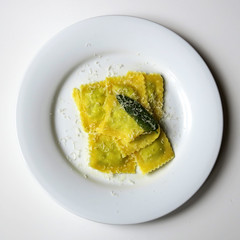 Ravioli with Butter and Sage (Alfredo Liverani) Tags: canong5x canon g5x pointandshoot point shoot ps flickrdigital flickr digital camera cameras cibo food lebensmittel aliments alimenti alimento kitchen cucina inthekitchen incucina pasta 0552018 project365055 project365022418 project36524feb18 oneaday photoaday pictureaday project365 project project2018 2018pad smileonsaturday smile saturday onpurewhite