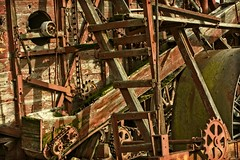 THE MACHINE AGE (akahawkeyefan) Tags: machine wood weathered chain sprocket harvester antique kingsburg kingsburghistoricalpark davemeyer