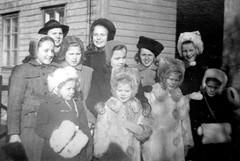 Yesterday....... (Ken-Zan) Tags: girls vintage vårvinter sweden scanned kenzan ljunghav