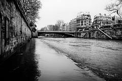 Paris, 13h04
