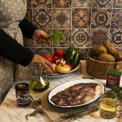 Guiso de pulpo (Frabisa) Tags: pulpo guiso patatas pimentón tomate cebolla pimientos caldo cocinacasera recetas octopus stew potatoes paprika tomato onion peppers broth homemadecooking recipes
