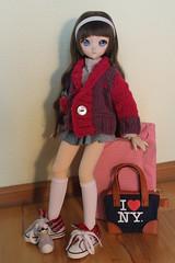 She loves her new jacket. (Ninotpetrificat) Tags: knitting dollfie dollfiedream ddh10 dd mdd volks hobby handmade hipster muñeca kawaii cute lila pupe punto lana japandoll asiandoll doll ramoneras moda fashion toys