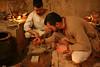 """Preparando para conformar baldosas (Francisco J. Ardanuy """"Ardius"""") Tags: alfar cerámica alfarería sediles medieval pottery aragón recreación reenacment arcilla barro maestro aprendiz oficio taller"""