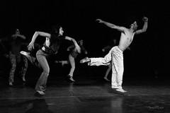 Flying (Samuel León M.) Tags: danza dance dancing bnw bw bnwphotography blackandwhite blancoynegro baw baile dancers bailarines