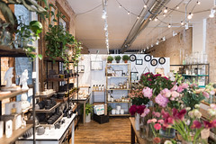 Jeff On The Road - Travel - Chicago - Where to shop - Logan Square - Fleur (dezjeff) Tags: visitusa jeffontheroad chicagoshopping wheretoshopinchicago jefffrenettephotography shopping fleur asraigarden wheretoshopchicago visitus wickerpark dezjeff logansquare jefffrenette chicago