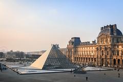 Louvre (lyrks63) Tags: louvre musuem musée museedulouvre paris canon canoneos canon700d canon700 eos700d eos eos700 700d 700 art arts buildings building architecture pyramides pyramids