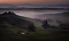 Tuscany sunrise (Massetti Fabrizio) Tags: tuscany toscana tree sunrise sun sunlight sanquirico sunset siena landscape landscapes phaseone pienza panorami iq180 italia italy rodenstock rural red rosso fog
