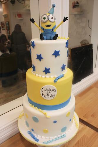 Bob Minion Birthday Cake