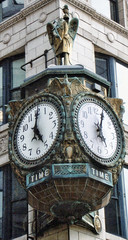 Chicago Illinois  - Jeweler's Building  - Father Time Clock - 35 East Wacker (Onasill ~ Bill Badzo) Tags: chicago illinois il jewelers building father time clock out door street 35 wacker usa unitedstates america river loop 1925 pureoil northamerican life insurance nrhp district landmark car lift frenchamerican chambers commerce showroom onasll facade elevator helmut dome stratosphere lounge alcapone speakeasy historic css lobby ceiling coffered onasill skyscaper