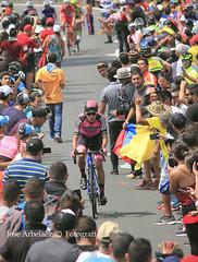 colombia oro y paz (jose@rbelaez) Tags: colombiaoroypaz co colombia ciclista escarabajo manzanapostobon deporte airelibre ciclismo publico josearbelaez ejecafetero risaralda montaña