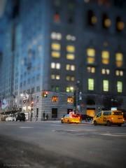Stéphanie CC Bourgeois NYC Street 16 © (Stéphanie Bourgeois) Tags: rain newyork skyscrapper highline brooklyn bronx greenline statueofliberty hudson newjersey usa streetshots streetfood traffic blackwhite bw yellowtaxi peopleofnyc peopleofnewyork graffitis streetart road blur skyscraper car intersection city building manhole nightlife night light thebigapple