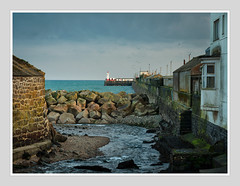 NEWLYN SEA DEFENCE (Barry Haines) Tags: newlyn bridge harbour lighthouse sony a7r2 a7rii 85mm gm f14 cornwall defence