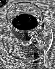 """""""Coffee Time"""" (giannipaoloziliani) Tags: details lightgames station railway milanocentrale lightandshadow riflessi bistrot milancentralstation capturemoments mailand milano milancity milan photooftheday italy italia cup iphone7plus iphonephotography iphone italiancoffee trasparence reflections morning vetro monocromatico monochrome café coffee caffè tazzina glass blackandwhite biancoenero"""