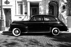 Master Deluxe (MarcBphotos) Tags: chevrolet master deluxe classic car black white noir et blanc new york themepark universal studio buildings street 50s 40s