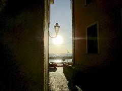 Cilento  il sole caldo al tramonto (52picchio) Tags: 2018 febbraio festadicarnevale controluce backlight explore explored fluidrexplored fluidr flickr flickrclickx flickrnova campania canoneos60d canon cilento castellabate santamariadicastellabate sun sunset