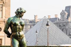 Louvre (lyrks63) Tags: louvre museedulouvre musuem musée art arts buildings building batiment architecture canon canoneos canon700d canon700 cityscape city paris france europe