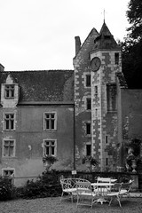 courtanvaux-6 (xtrice) Tags: château courtanvaux bessésurbray sarthe paysdeloire ubuntu rawtherapee gimp noiretblanc