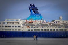 Sueños... (Efren SL) Tags: barco sea mar cantabrico aviles asturias niemeyer crucero