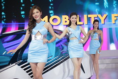 2018 TAIPEI INT'L AUTO SHOW Beautiful Model TOYOTA (Yung Chin Su) Tags: contax contaxplanart1450 autoshow beautifulmodels showgirls