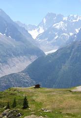 On the way down from L'Index (2595 m) to La Flégère (1877 m). Chamonix. (elsa11) Tags: chamonix chamonixvalley montblancmassif traindumontenvers merdeglace seaofice glacier gletscher gletsjer laflégère railway rackrailway france frankrijk hautesavoie auvergnerhonealpes mountains montagnes alps