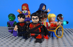 Teen Titans (Geoff Johns run) (-Metarix-) Tags: super hero lego comics comic teen titans side kick geoff johns robin beastboy cyrbog starfire raven superboy wonder girl impulse universe team sidekick