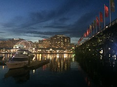 Darling Harbour (Simon_sees) Tags: novotel sofitel boat harbour water light darlingharbour sydney night