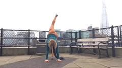 Yoga everywhere (stankayoga) Tags: yoga stanka stankayoga hathayoga poweryoga dharmayoga londonyogateacher yogateacher londonyoga yogalondon advancedyoga practice asana yogamom toweroflondon london handstand backbend balance