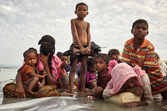 PHOTO OF THE WEEK: 26 February 2018 (UNICEF HQ) Tags: 1to5yearsold 6to11yearsold children childreninconflictandemergencies displacedchildren displacedpeople extendedfamily family infantsunder1year mother refugee women bangladesh unicef united nations kids childrens rights stateless boat