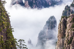 HuangShan Clouds (lycheng99) Tags: huangshan anhui nationalpark mountains peaks valleys trees pines clouds seaofclouds visibility china chinatravel landscape nature