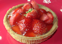 Strawberry Tart (Tony Worrall) Tags: color colours add tag ©2018tonyworrall images photos photograff things uk england food foodie grub eat eaten taste tasty cook cooked iatethis foodporn foodpictures picturesoffood dish dishes menu plate plated made ingrediants nice flavour foodophile x yummy make tasted meal nutritional freshtaste foodstuff cuisine nourishment nutriments provisions ration refreshment store sustenance fare foodstuffs meals snacks bites chow cookery diet eatable fodder strawberry tart red berry colors sweet sugar fruit