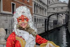 Carnevale Venezia (MaOrI1563) Tags: venezia venice carnevalevenezia maschera venicecarnival maori1563 27gennaio2018 sanmarco canale maschere ponte pontedeisospiri