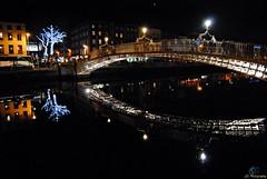 Ha'penny Bridge, Dublin (39) (Juergen__S) Tags: dublin ireland city pub bridge spire gpo night henrystreet odonoghues brazenhead hapennybridge guinness sky building water river liffey reflection littree