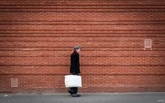 Question d'équilibre (Julien Rode) Tags: city clignancourt paris personnage portfolio rue street streetphotography ville