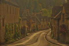 Cara vecchia Inghilterra / Dear old England (Castle Combe, Wiltshire, United Kingdom) (AndreaPucci) Tags: castlecombe wiltshire uk medieval andreapucci downtownabbey warhorse doctordolittle