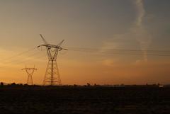 Atardecer de Alta tension. #atardecer #atardecerlatam #clouds  #dusk #sun #sol #duskbeforenight #october #sanjuandelrio #sjr #queretaro #qro #mexico #mx #rooftop #cloudsky #sky #vsco #vscocam #streetphoto_qro #streetphotography #streetphotography_mx #inst (a.moncadaolmos) Tags: atardecerlatam picoftheday sjr sol atardecer qro clouds sky streetphotography rooftop instagood streetphotographymx mexico sanjuandelrio instagram october duskbeforenight vscocam dusk sun queretaro streetphotoqro cloudsky vsco mx